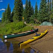 Camp 53 liegt wunderschön am Beginn des Bowron River.