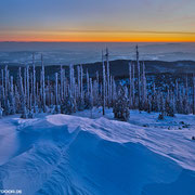 Auch nach Sonnenuntergang zeigt sich die Landschaft in einem faszinierenden Licht.