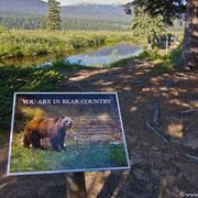 Im Land der Bären sollte man ein paar Vorsichtsmaßnahmen treffen! Bloß keine Lebensmittel ins Zelt...