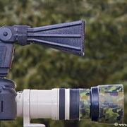 Leichtgewicht mit weniger als 80 Gramm! Ein möglichst großer Abstand zur Kamera verhindert Lichtreflexionen im Auge der photographierten Tiere. Bei Bedarf mussmanentfesselt blitzen!