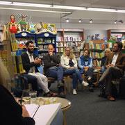"""Diskussions Abend in der Bücherei Schöningh Kitzingen: """"Was ist Islam ?"""" Viele Fragen, viel Diskussion - so funktioniert Austausch."""