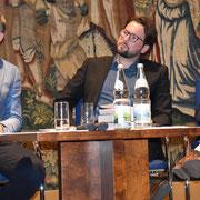 Mainpost-Artikel von Helmut Glauch: Islamunterricht als Hilfe, die eigene Identität zu finden.  Said Topalovic, Michél Schnabel, Hamza Özkan. www.mainpost.de/regional/schweinfurt/Islamunterricht-als-Hilfe-die-eigene-Identitaet-zu-finden;art742,10336478