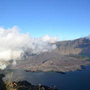 Der Panoramablick am Kraterrand von Senaru