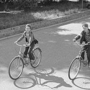 自転車の少年2