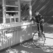 自転車の少年1