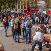 """""""Toute la Picardie est descendue ?"""" Marche contre le coup d'état social des ordonnances Macron. Esplanade du port de l'arsenal, Paris. 23/09/2017 #jaibastille"""