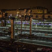 Extérieur nuit, quais, rails, aiguillages, signalisations, électrification, Gare Saint-Jean, Bordeaux