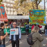 """""""Non à l'état MEDEF"""" Philosophie du partage"""" Marche contre le coup d'état social des ordonnances Macron. Esplanade du port de l'arsenal, Paris. 23/09/2017 #jaibastille"""