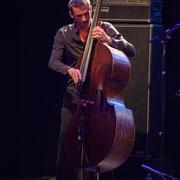 Maxime Delporte, contrebassiste. Rémi Panossian RP3 Trio, Festival JAZZ360, Cénac 9 juin 2017