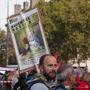 """11h10 Journal Fakir """"Boucherie GATTAZ"""" avec ses promo smic à -50% & 35 heures 1€/kg"""" Marche contre le coup d'état social des ordonnances Macron. Place de la Bastille, Paris. 23/09/2017 #jaibastille"""