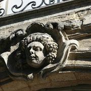 Mascaron de Bordeaux, à visage de jeune Bacchus. Reproduction interdite - Tous droits réservés © Christian Coulais