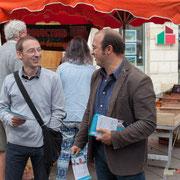 Yann Vanherzeele et Chrisophe Miqueu. Tractage militant des Insoumis de la 12ème circonscription, 7 juin 2017, marché de Créon