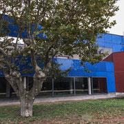 Institut de recherche de la Provence antique, Musée départemental d'Arles. H.E. Ciriani, architecte. Façade côté Rhône, détail