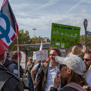"""""""Une nouvelle ère, celle de l'écologie et du partage"""" Marche contre le coup d'état social des ordonnances Macron. Place de la Bastille, Paris. 23/09/2017 #jaibastille"""