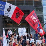 """""""Debout la Vième République"""" 1789 Maximilien Robespierre """"Vaincre ou Mourir"""" """"Anti-corruption"""" Marche contre le coup d'état social des ordonnances Macron. Place de la Bastille, Paris. 23/09/2017 #jaibastille"""