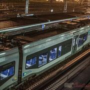 Extérieur nuit, sous la pluie, Transport express régional (TER) Nouvelle-Aquitaine, Gare Saint-Jean, Bordeaux