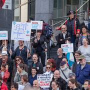 Le Chœur insoumis, un jour peut-être à l'Opéra Garnier ? Marche contre le coup d'état social des ordonnances Macron. Place de la Bastille, Paris. 23/09/2017 #jaibastille
