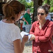 Marie Neuville, journaliste à France 3 Aquitiane questionne Anne Paceo, batteuse. Festival JAZZ360, Camblanes-et-Meynac, 10 juin 2017