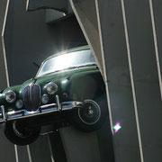 Trouvaille de l'architecte Jean-François Dosso, lors des travaux de rénovation, 1993, Jaguar MK1 encastrée façade du parking du cours Victor-Hugo, Bordeaux Reproduction interdite - Tous droits réservés © Christian Coulais