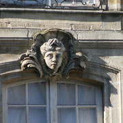 Mascaron de Bordeaux, à visage de jeune homme au turban, façade place du Parlement. Reproduction interdite - Tous droits réservés © Christian Coulais