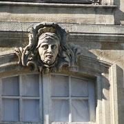 Mascaron de Bordeaux, à visage d'homme barbu, façade place du Parlement. Reproduction interdite - Tous droits réservés © Christian Coulais