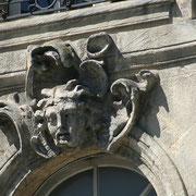 Mascaron de Bordeaux, à visage d'homme, genre Vercingétorix. Reproduction interdite - Tous droits réservés © Christian Coulais