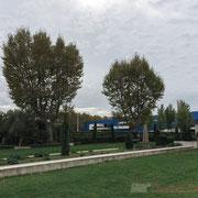 Hortus, jardin d'inspiration romaine, 7 000m² de jardins thématiques et de jeux.