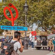"""12h30 """"Dictature du profit"""" Marche contre le coup d'état social des ordonnances Macron. Esplanade du port de l'arsenal, Paris. 23/09/2017 #jaibastille"""