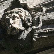 Mascaron de Bordeaux, à visage d'homme genre Vercingétorix. Reproduction interdite - Tous droits réservés © Christian Coulais
