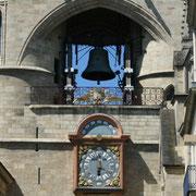 Horloge, 1759 selon les plans du mathématicien, astronome Paul Larroque, remplace celle de 1567 exécutée par Raymond Sudre. Au-dessus cadran à équation solaire. Grosse cloche, Bordeaux Reproduction interdite - Tous droits réservés © Christian Coulais
