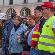 """""""Tandis qu'un camarade Cgétiste nous prend en photo devant l'Opéra Garnier..."""" Marche contre le coup d'état social des ordonnances Macron. Place de la Bastille, Paris. 23/09/2017 #jaibastille"""