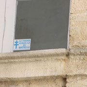 """""""La France, aimez-là ou quittez-là"""", slogan du Front National vers 1980. Impasse Margaux, Bordeaux. Reproduction interdite - Tous droits réservés © Christian Coulais"""