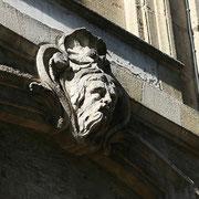 Mascaron de Bordeaux, à visage de vieillard barbu et chevelu. Reproduction interdite - Tous droits réservés © Christian Coulais