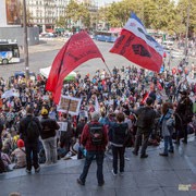 12h00 Plus de 130 bus parviendront à Paris. Marche contre le coup d'état social des ordonnances Macron. Place de la Bastille, Paris. 23/09/2017 #jaibastille
