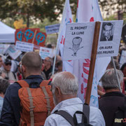 """""""Il (Macron) promet la lune on aura ds prunes"""" Marche contre le coup d'état social des ordonnances Macron. Place de la Bastille, Paris. 23/09/2017 #jaibastille"""