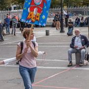 """""""Macron part vers Jupiter"""" Marche contre le coup d'état social des ordonnances Macron. Esplanade du port de l'arsenal, Paris. 23/09/2017 #jaibastille"""