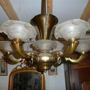 Lustre début XXiéme en bronze 6 luminaires (verre dépoli) 300€
