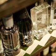 Gin, die wohl derzeit beliebste Spirituose in großer Auswahl