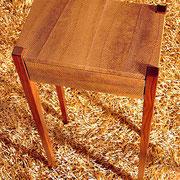 Sidetable in Nussbaum mit Lachshaut