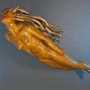 "Lyrikskulptur ""Trip to the fairy ring"" Lindenholz in Schellack mit Platin belegt"