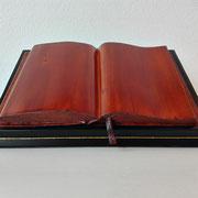 """Skulptur: """"Das Buch"""" Lindenholz mit Schellack"""