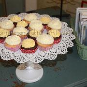 Schoko-Vanille und Kokos-Limetten-Cupcakes
