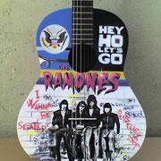 """Ramones"" chitarra classica"