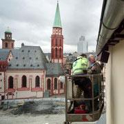 Mauersegler-Nistplätze an der Saalhof-Kapelle in Frankfurt am Main,  Foto:Frank Röth, FAZ