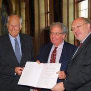 Carl-Albrecht von Treuenfels, Yossi Leshem und Manfred Niekisch