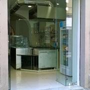 vetrata pieghevole con cerniere