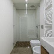 box doccia in vetro trasparente cerniere vetro-muro e fisso laterale con morsetti