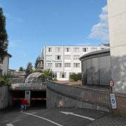 Zufahrt zur Tiefgarage oder zum Innenhof vom Hotel Danner