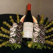 V 1        $ 500 mas costo del vino a elegir