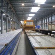 Linea de mesas para la fabricación de paneles de hormigón